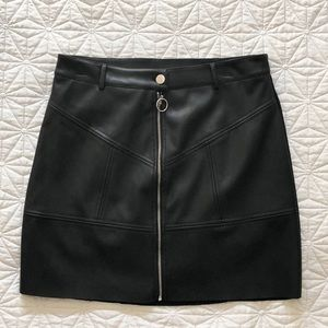 Dresses & Skirts - NWOT Black leather mini skirt